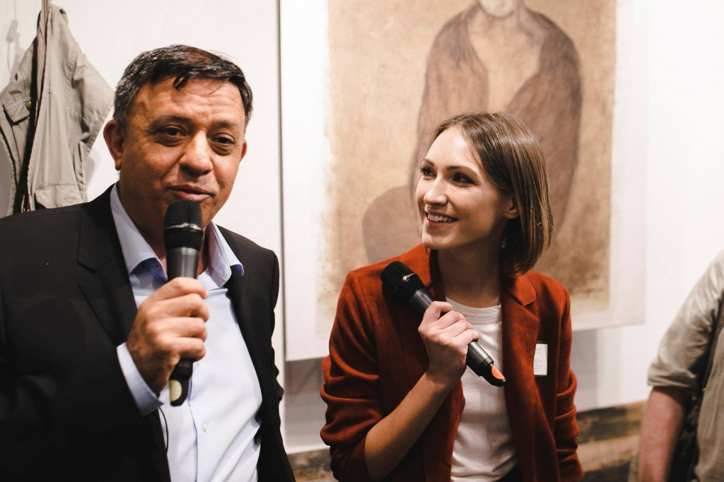 Israeli politician Avi Gabbay and Anastasia Nikulcha.jpg